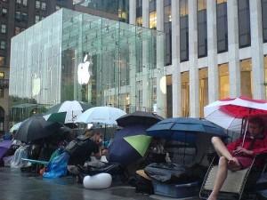 Впечатления покупателей iPhone от приобретенного ими коммуникатора.