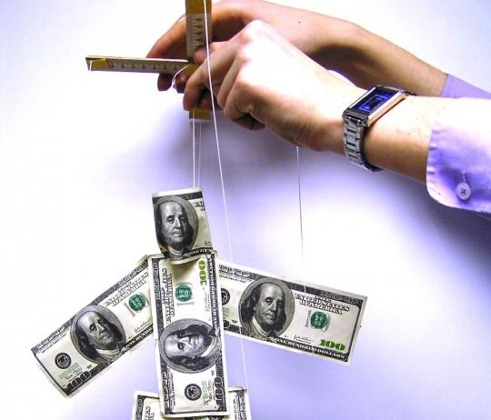 Заработок денег управляет жизнью или жизнь управляет деньгами?